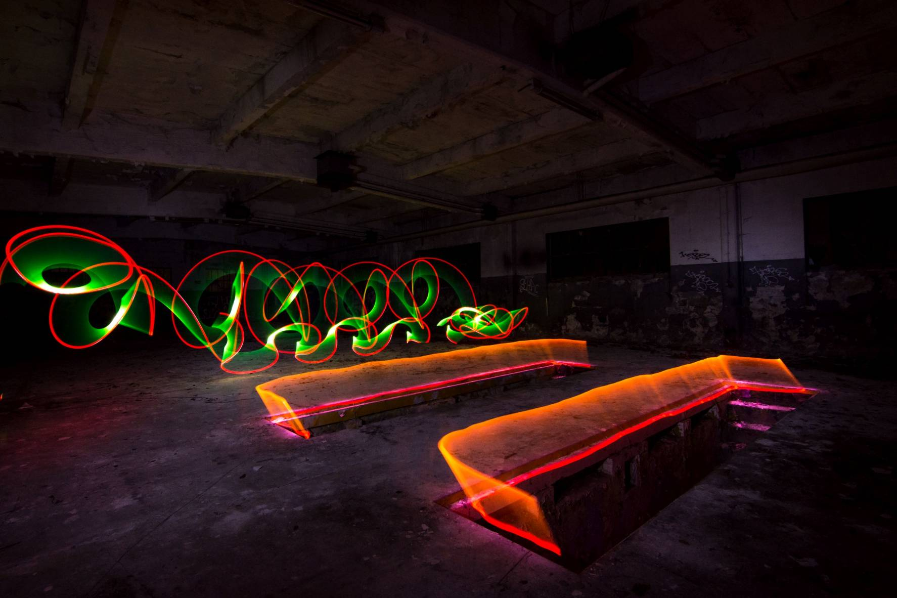 lightpainting lost rotten abandoned place nikon